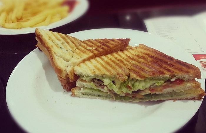 (Veg Grilled Sandwich at Haji Ali Juice Center; Credits: Facebook)