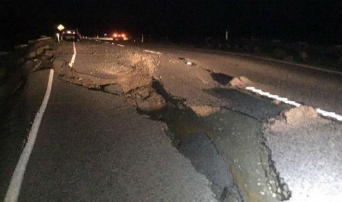 New Zealand Earthquake Tsunami And Tremors Leave 2 Killed