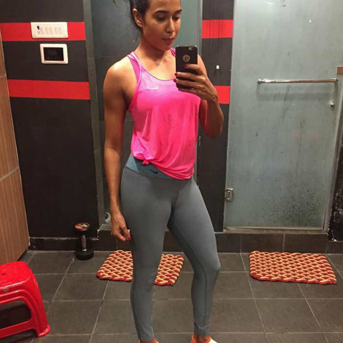 This sweet faced girl has worked hard to achieve the lean, toned look and  her Instagram account shows her awesome fitness journey.