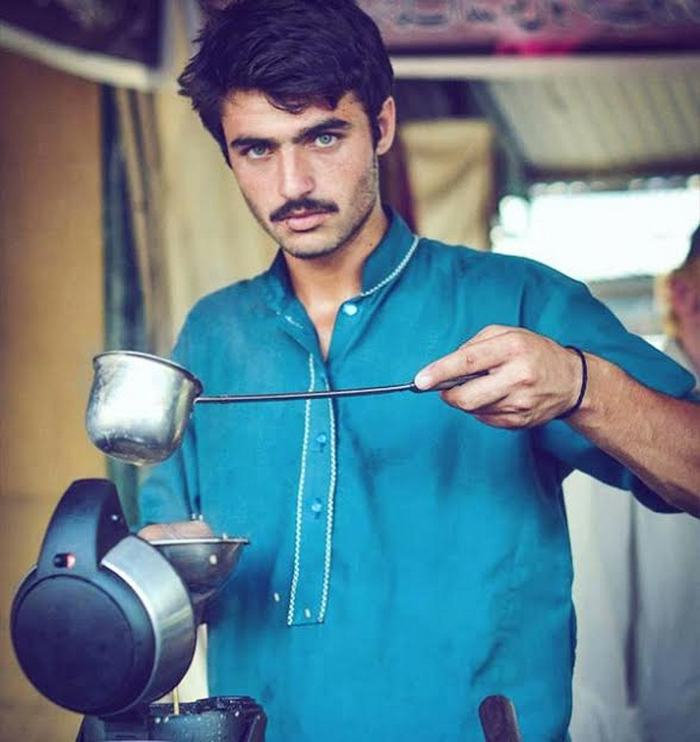 Pakistani chaiwala 2