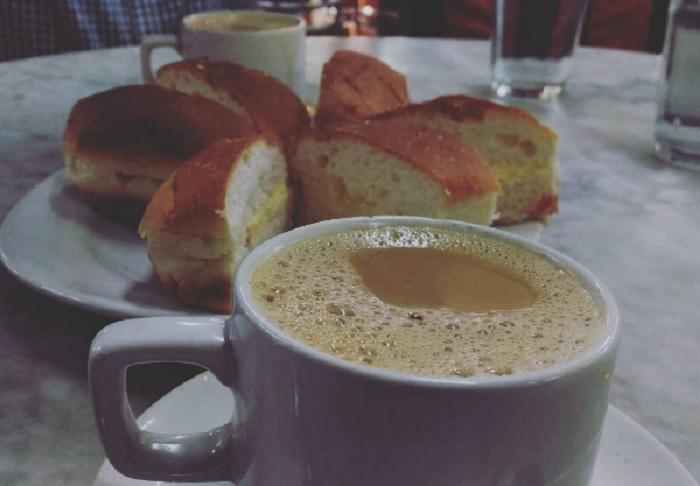 Bun maska and Irani tea
