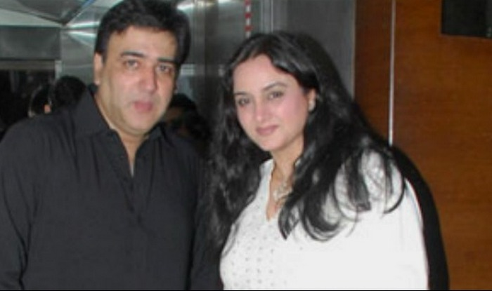 Polygamy married and dating kamala khan