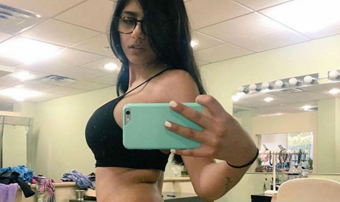 mia khalifa  8 things you probably didn u0026 39 t know about the
