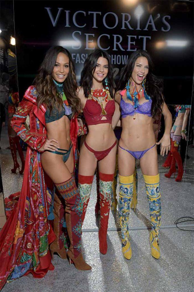 victorias-secret-fashion-show-ass-pics-and