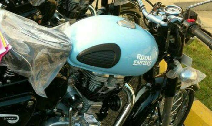 2017 Royal Enfield Classic 350 500 Get New Colours News Bikes
