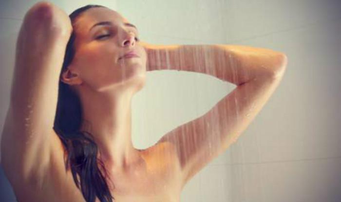 Image result for ठंड में नहाने के फायदे