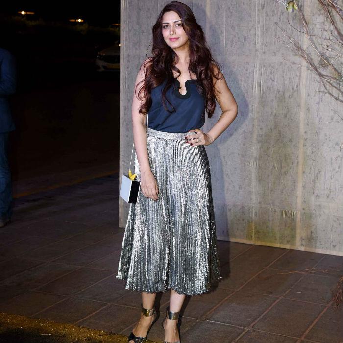 Sonali Bendre Pleated Metallic Skirt