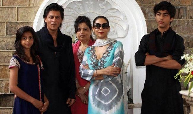 shahrukh-khan-gauri-khan-aryan-suhana-and-srk-sister