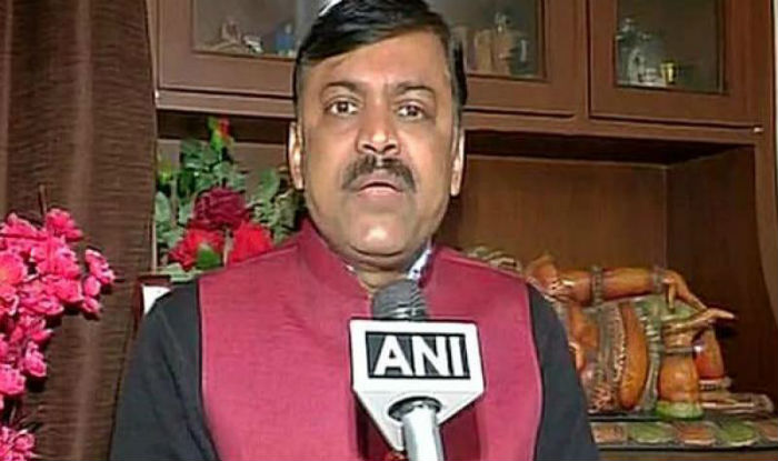 Watch | Shoe Hurled at BJP MP GVL Narasimha Rao at Press Meet