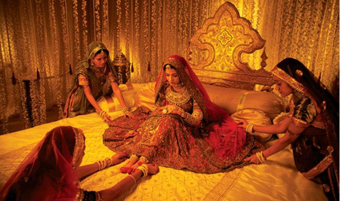 How To Store Your Heavy Expensive Bridal Dress Tips To Save Your Bridal Lehenga After Marriage India Com Now select & watch your favorite episodes from the complete list of jodha akbar episodes, starring rajat tokas,paridhi sharma,lavina tandon,ashwini kalsekar,manisha yadav,heena parmar,chhaya phadkar,ravi bhatia. bridal lehenga after marriage