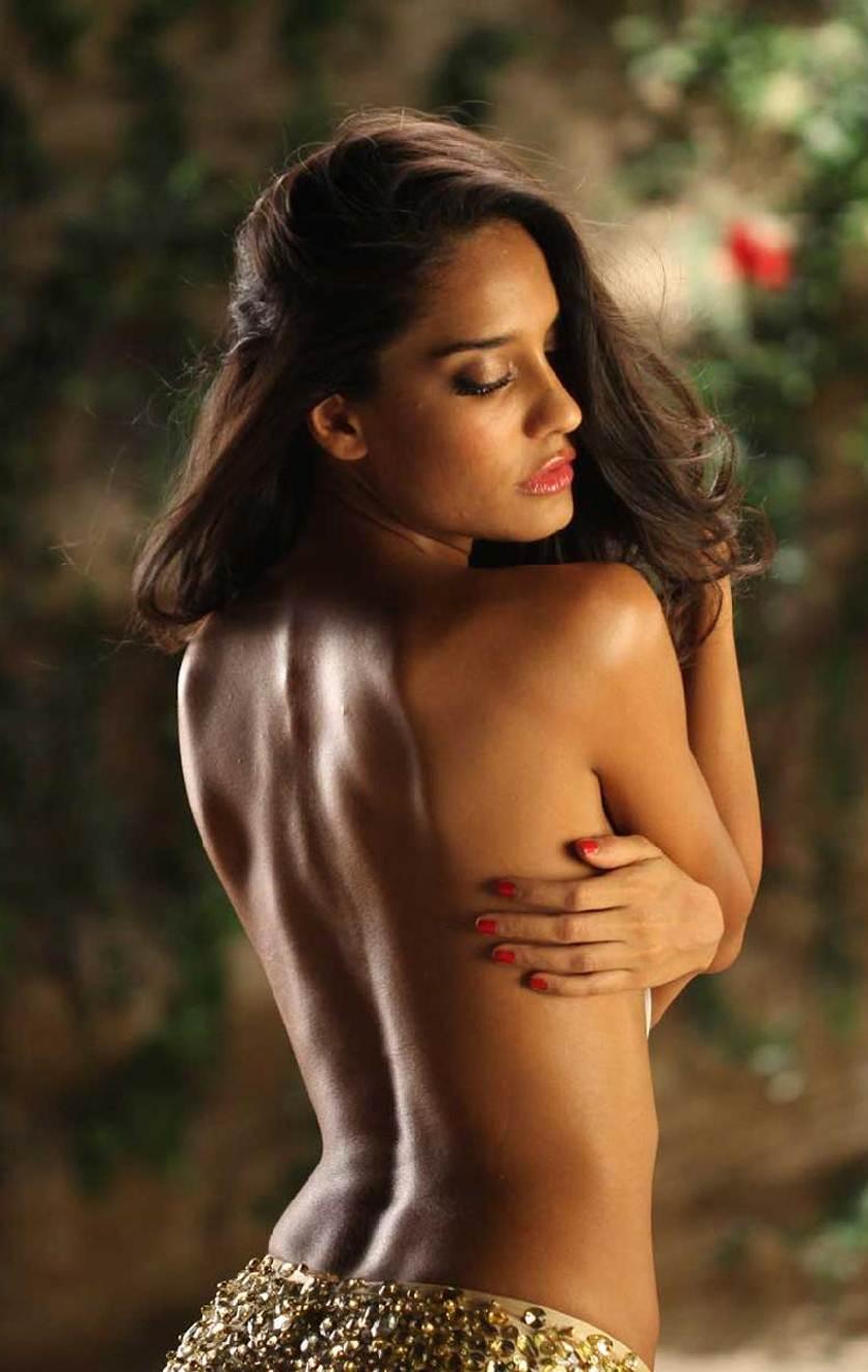 lady gaga naked yoga