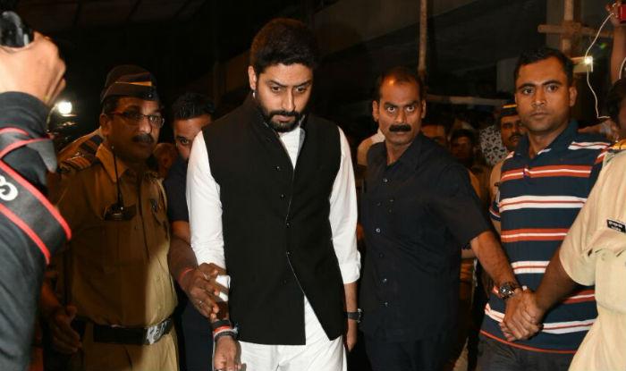 abhishek bachchan at om puri last rites