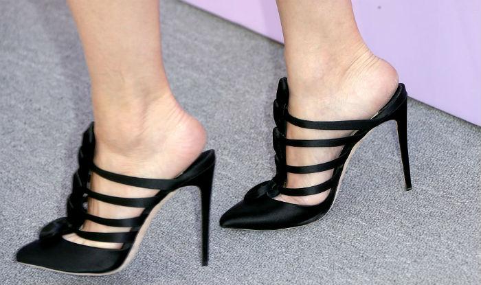 to walk in high heels like a ramp model
