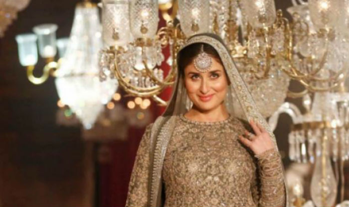dff4609236b9 Lakme Fashion Week 2017: Kareena Kapoor Khan to turn perfect muse for Anita  Dongre in the LFW 2017 finale show!