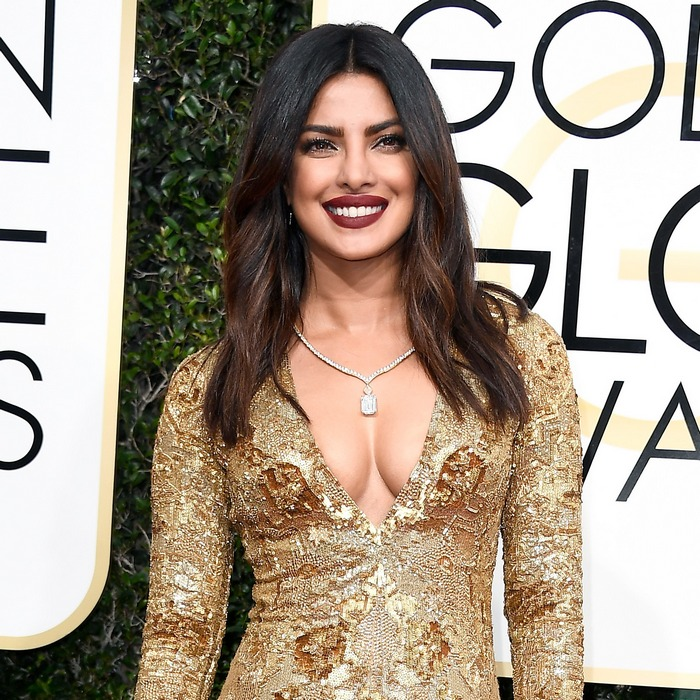 priyanka-chopra-golden-globe-awards-2017-make-up