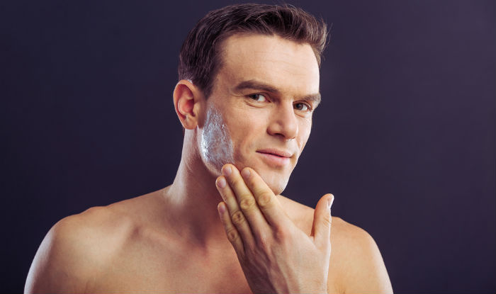 Moisturize your skin with winter cream