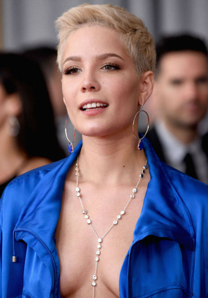 Halsey Braless Nude Photos 30