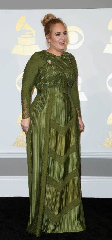 Adele looks gorgeous in Pantone color of the year for Grammy Awards 2017