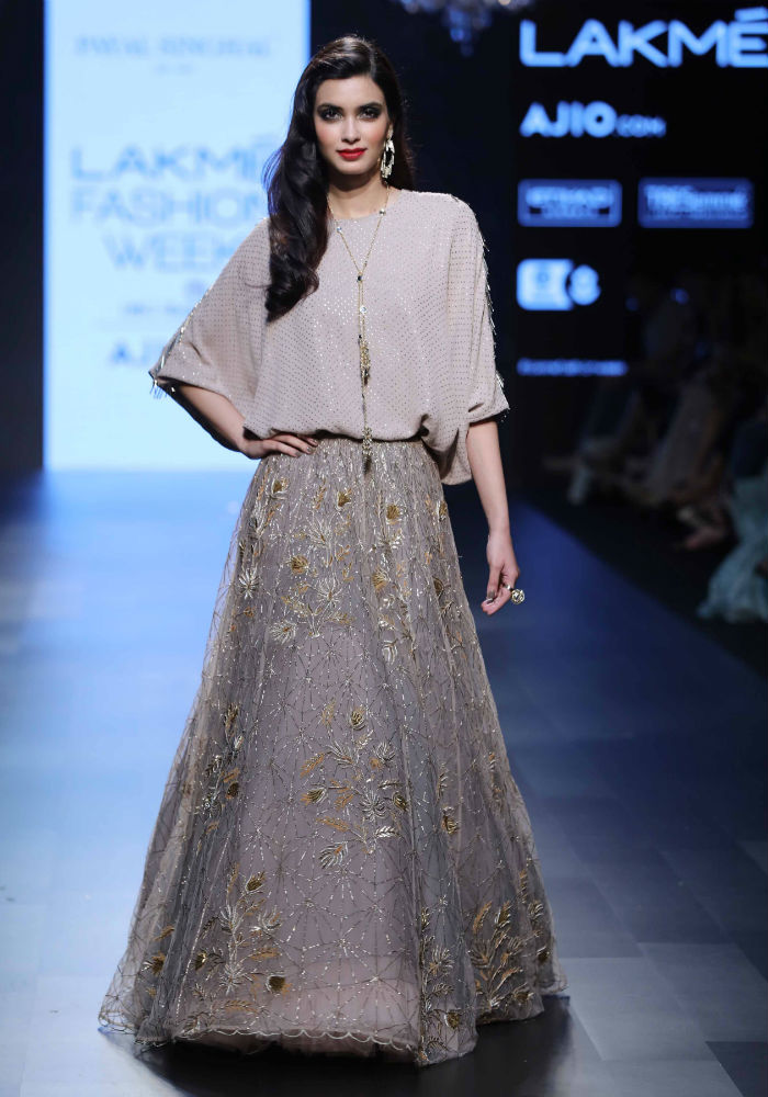 Diana Penty Looked Sexy Af In This Kaftan Tunic And Embroidered Lehenga At Lakme Fashion Week 2017 Day 3 India Com