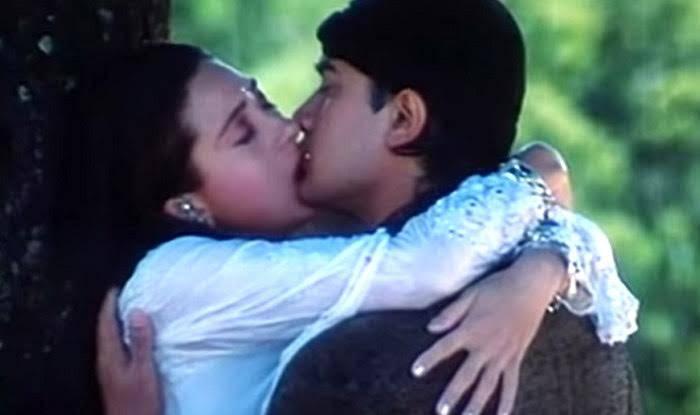 Karishma Kapoor Hot Kisses