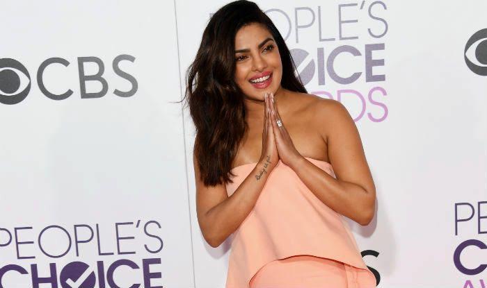 Get Priyanka Chopra's look with this step-by-step makeup tutorial! Watch video