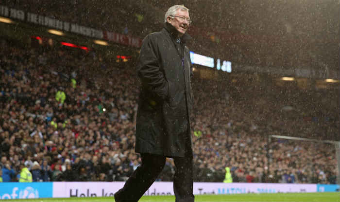 Sir Alex Ferguson gets standing ovation on his return to ...