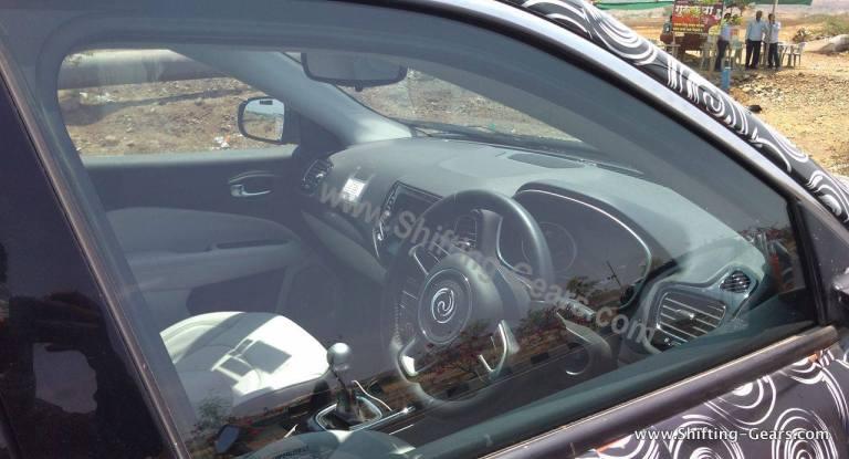 Jeep-compass-interior-spied