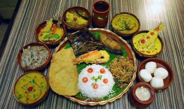 Top 10 dishes every foodie must eat in west bengal for Arman bengal cuisine dinas menu