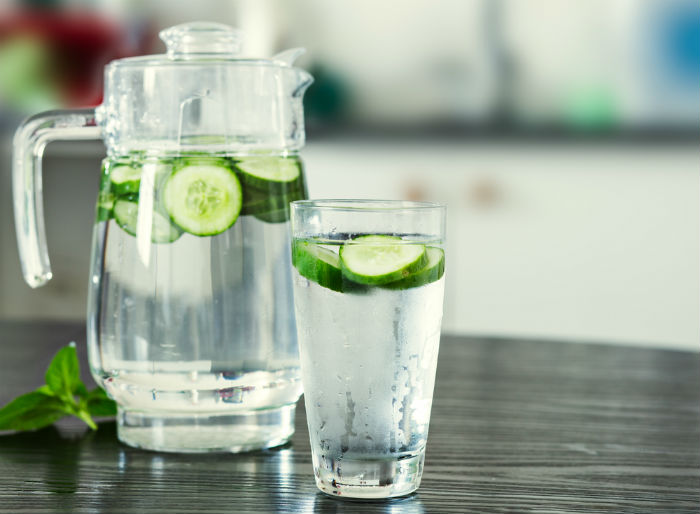 Keeps your body cool and hydrated