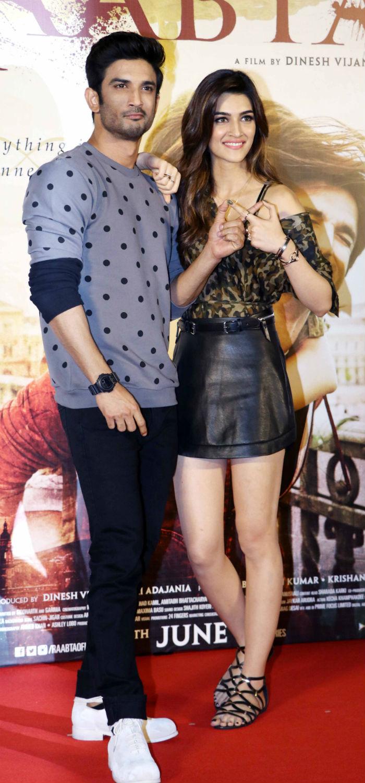 Sushant Singh Rajput and Kriti Sanon 1