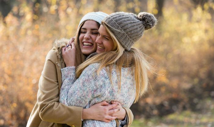 bestfriends hugging