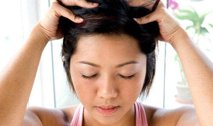 How to give yourself a scalp massage? Step-by-step guide to give yourself a relaxing head massage