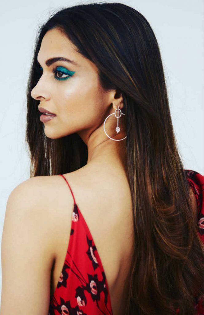 Deepika Padukone's turquoise eye makeup