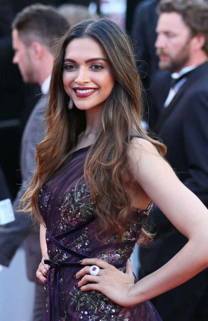 Deepika Padukone's red carpet bold lips