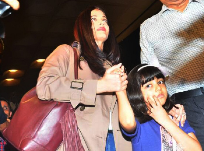 Aishwarya, Aaradhya leave for Cannes