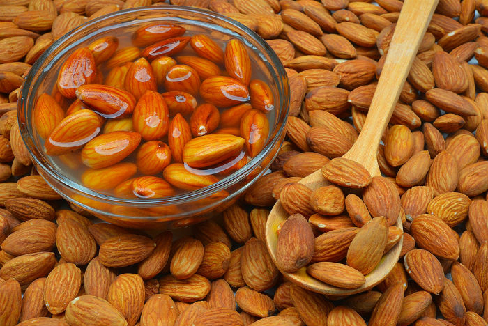 soaked almonds for weight loss