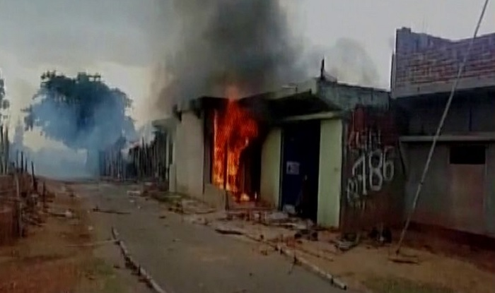 Mob beats up Muslim Dairy Owner in Giridih sets his house on fire