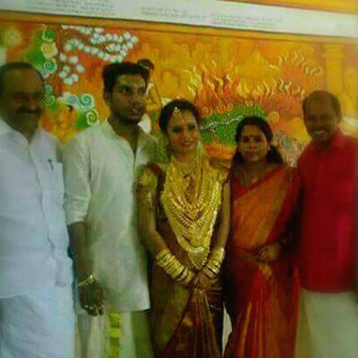flashy wedding of kerala mlas daughter raises eyebrows