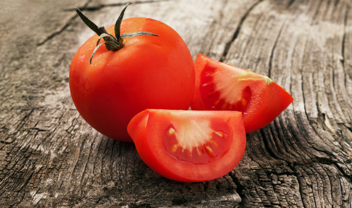 Top 9 beauty benefits of tomatoes: Use homemade tomato packs to fight acne and skin ageing