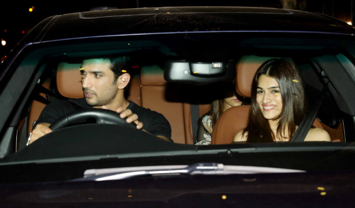 SEE PICS : Sushant Singh and Kriti Sanon spotted on a dinner date!