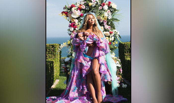 Beyonce Twins Photo >> Beyonce Posts Pictures Of Her Newborn Twins Sir Carter and Rumi, Photo Goes Viral On Instagram ...
