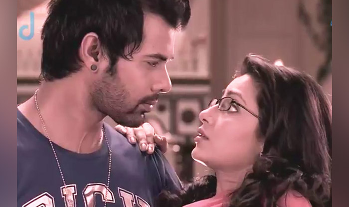 Kumkum Bhagya Fans Rejoice! Makers To Air Hour-long Special Until Spin-off Series Kundali Bhagya Starts On July 12