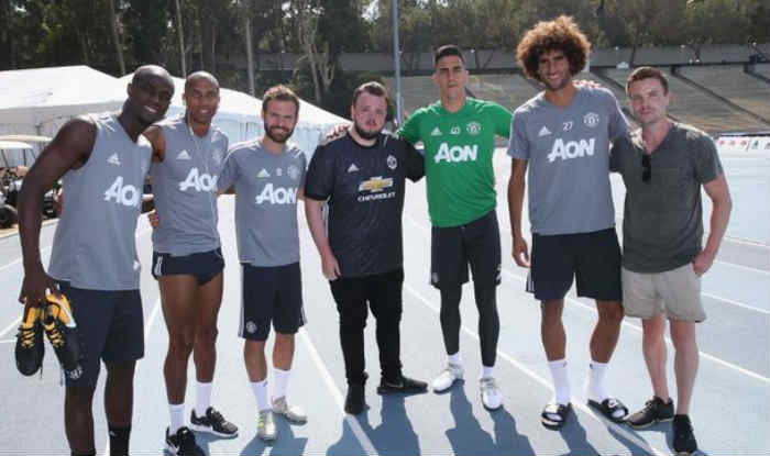 meet man united players and numbers