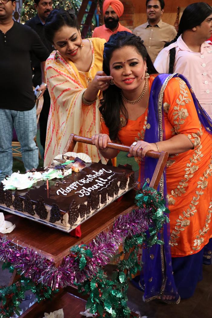 Cake Image Name Kapil : Bharti Singh celebrates her birthday on The Kapil Sharma ...