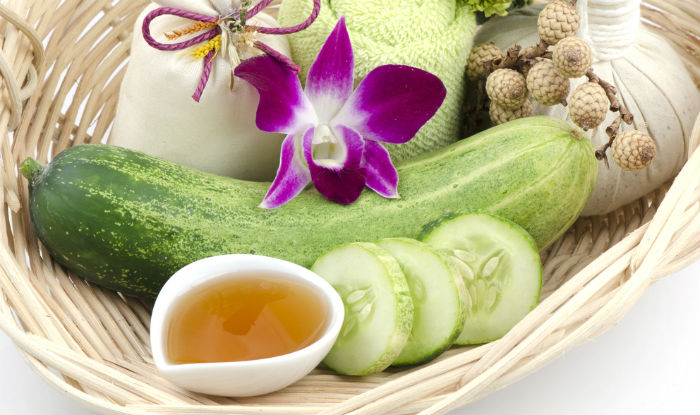 Cucumber and honey face mask