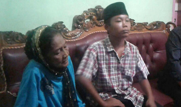 15 Year Old Teenager Marries 73 Year Old Woman In