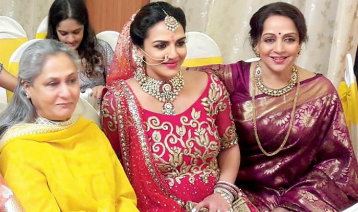 Esha Deol S Godh Bharai When Jaya Bachchan Asked Panditji