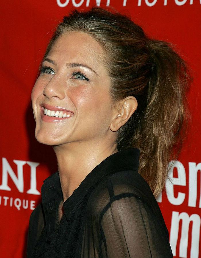 Jennifer Aniston3