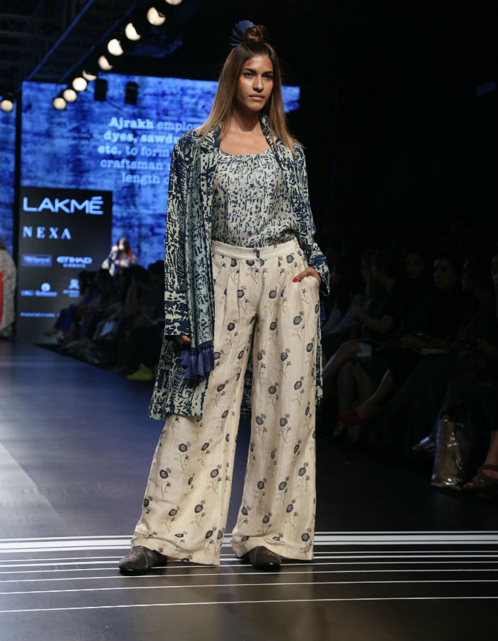 Lakme Fashion Week 2017 Day 2 Artisans Walk The Ramp To Showcase Their Collection Craft Is Cool India Com