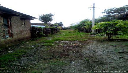 गांव के अंदर बने के एक रास्ते की तस्वीर.